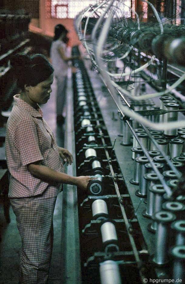 Đà Nẵng: Nhà máy sản xuất thảm - Máy cuộn sợi