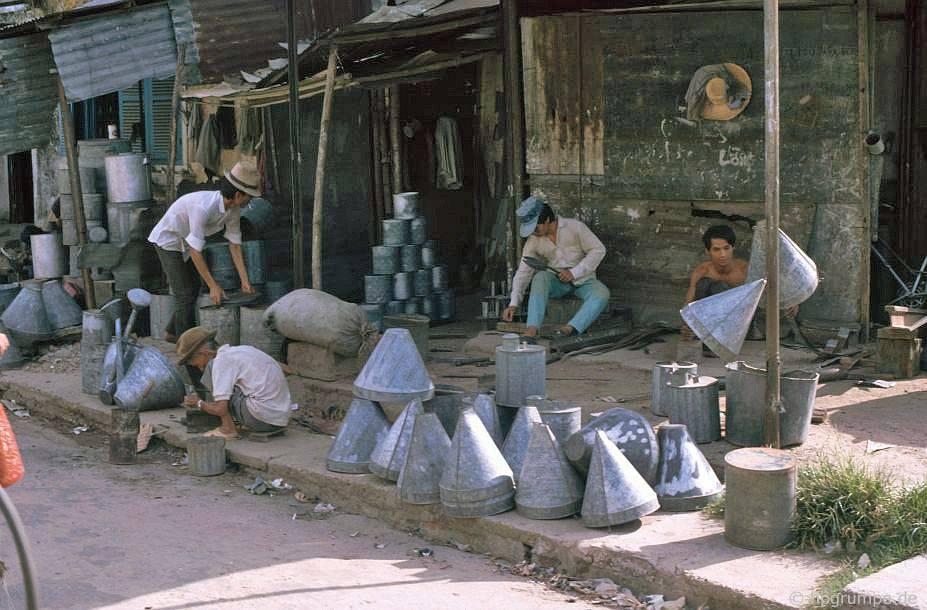 Hội An: Đường công nhân kim loại