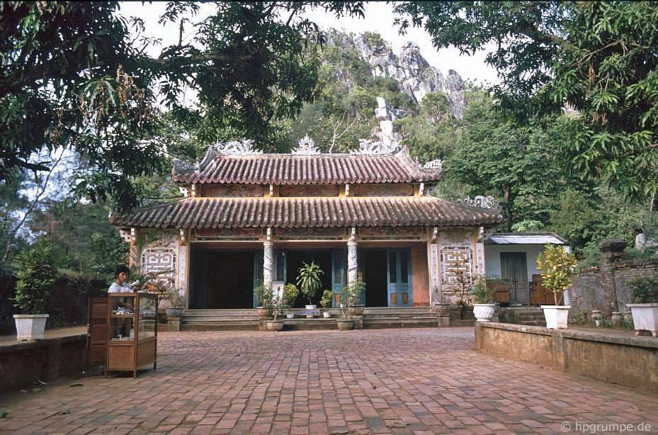 Ngũ Hành Sơn tại Đà Nẵng: Chùa