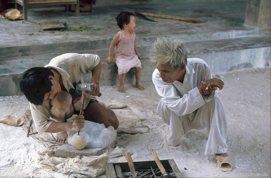 Ngũ Hành Sơn gần Đà Nẵng: Xử lý bằng đá cẩm thạch