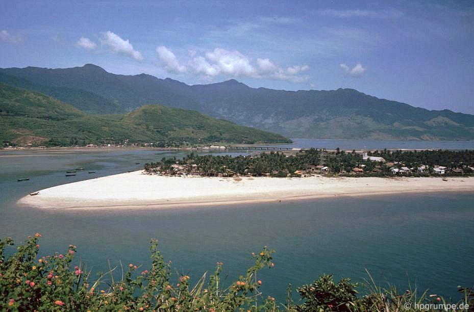 Bán đảo Lăng Cô