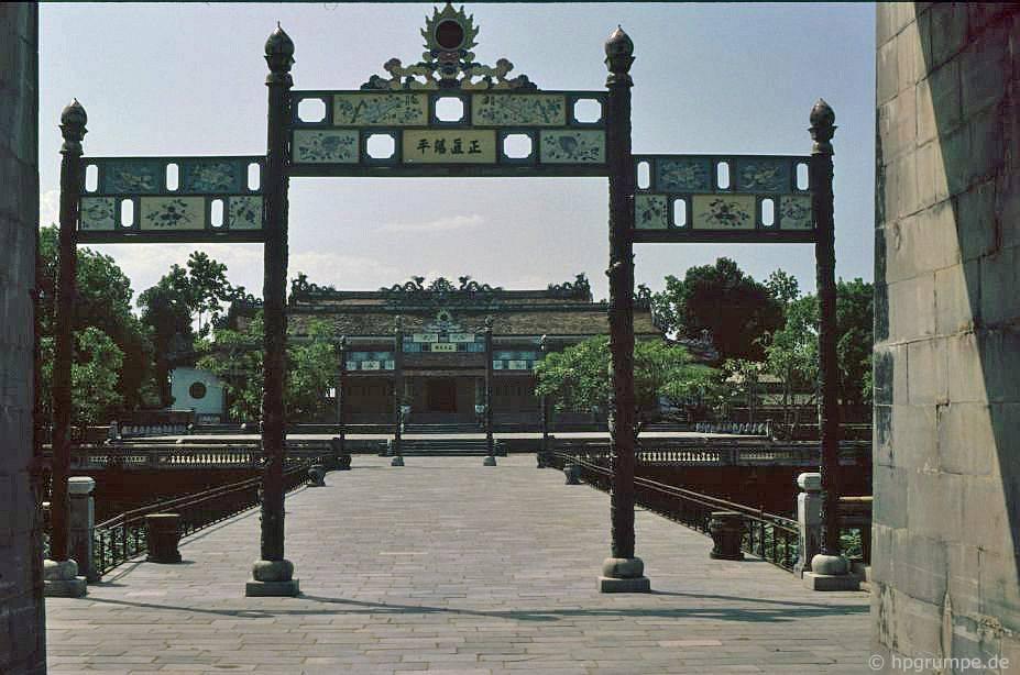 Thành phố Huế: Cung điện Thái Hòa