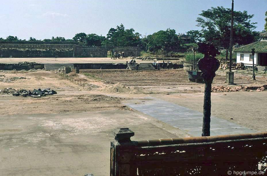 Thành phố Huế: Tử Cấm Thành Tử