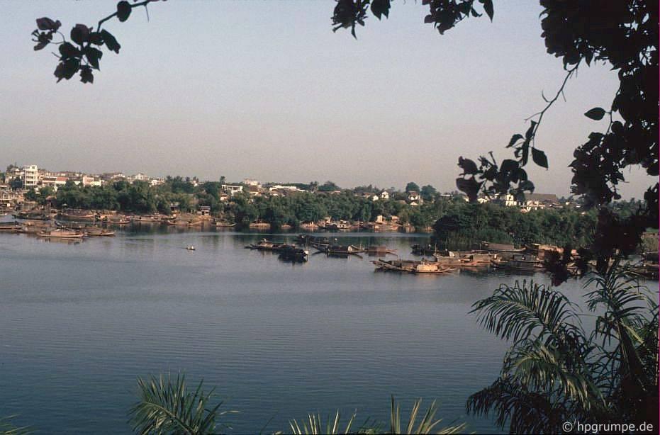 Huế ở sông Hương