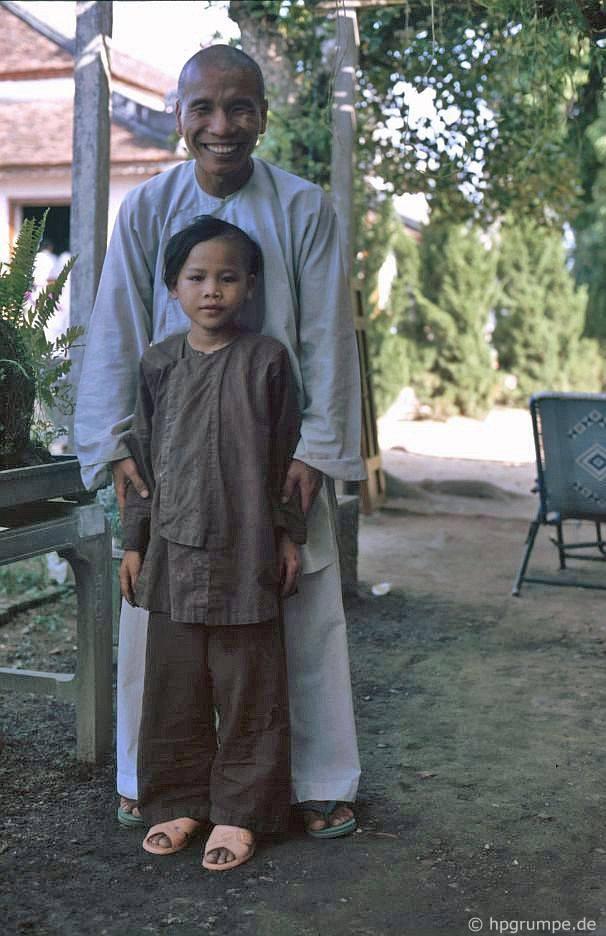 Tu viện Thiền viện Tiên Mun: Thầy tu với người mới