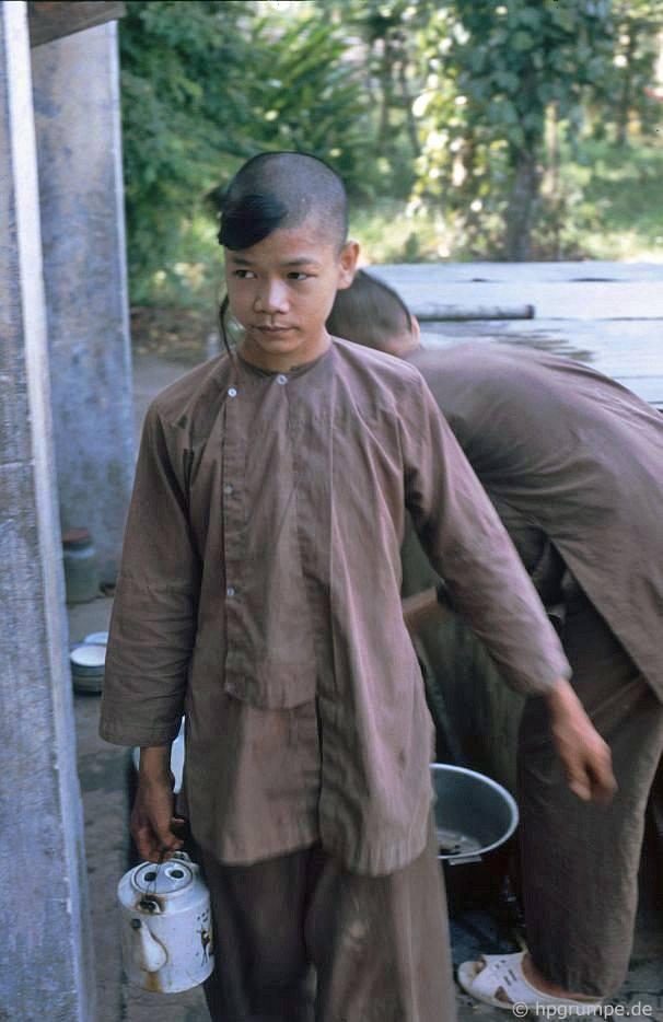 Tu viện Huế Tiên Mun: Những người mới