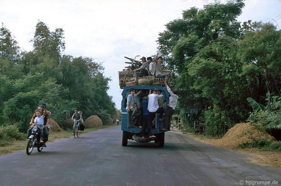 Holzvergaserbus
