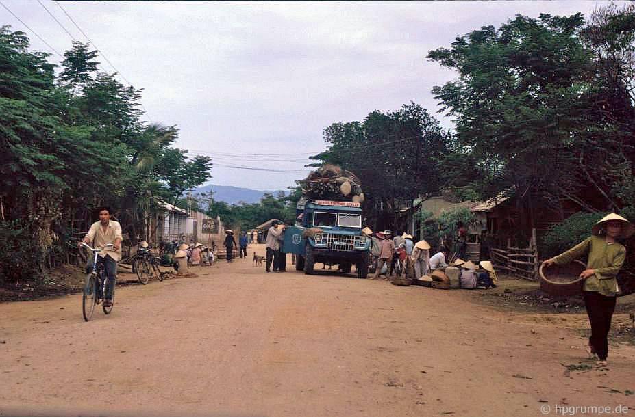 trạm xe buýt