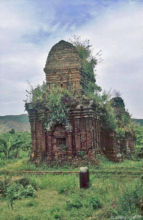 Mỹ Sơn: Ruins