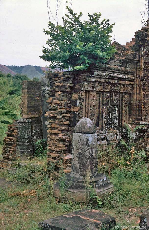 Di tích của Mỹ Sơn - Lingam