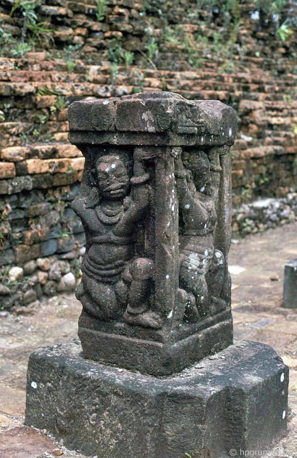 Di tích của Mỹ Sơn - cứu trợ / điêu khắc