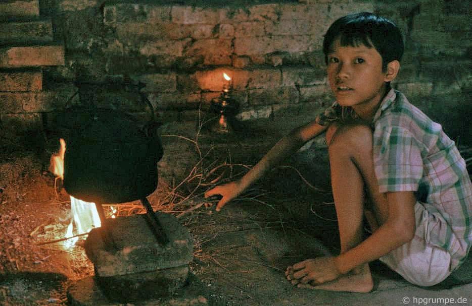 Khu phế tích Mỹ Sơn - nơi nấu nướng trong nhà bảo vệ