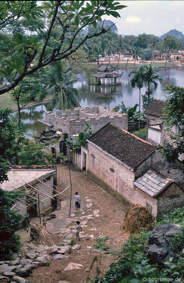 Chùa Chua Thầy: Quan điểm của làng