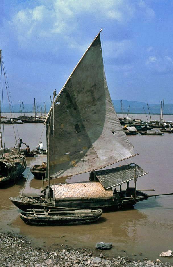 Cảng tại Bãi Chai