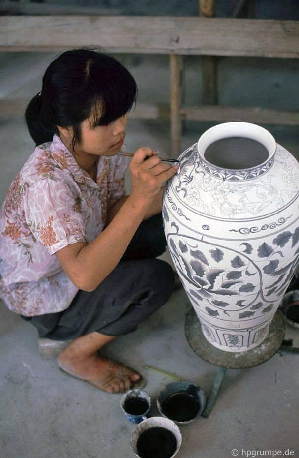 Bát Tràng: vẽ một bình