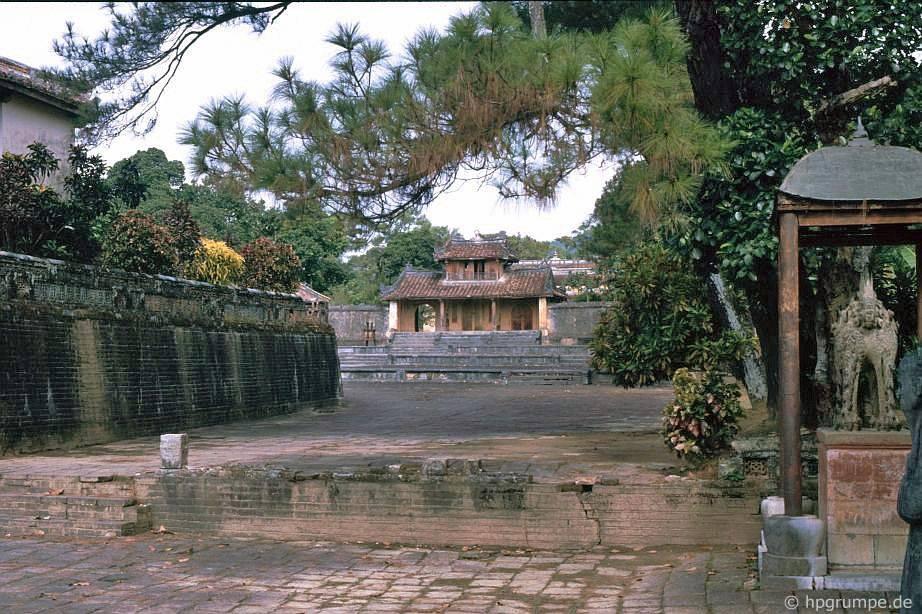 Huế: Lăng Minh Mạng
