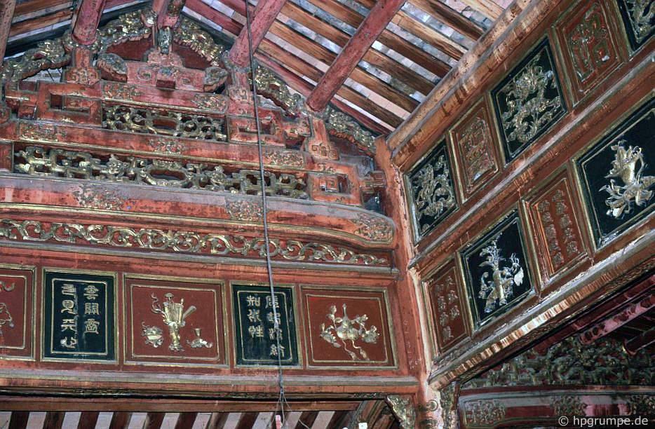 Huế: Lăng mộ Minh Mạng bên trong