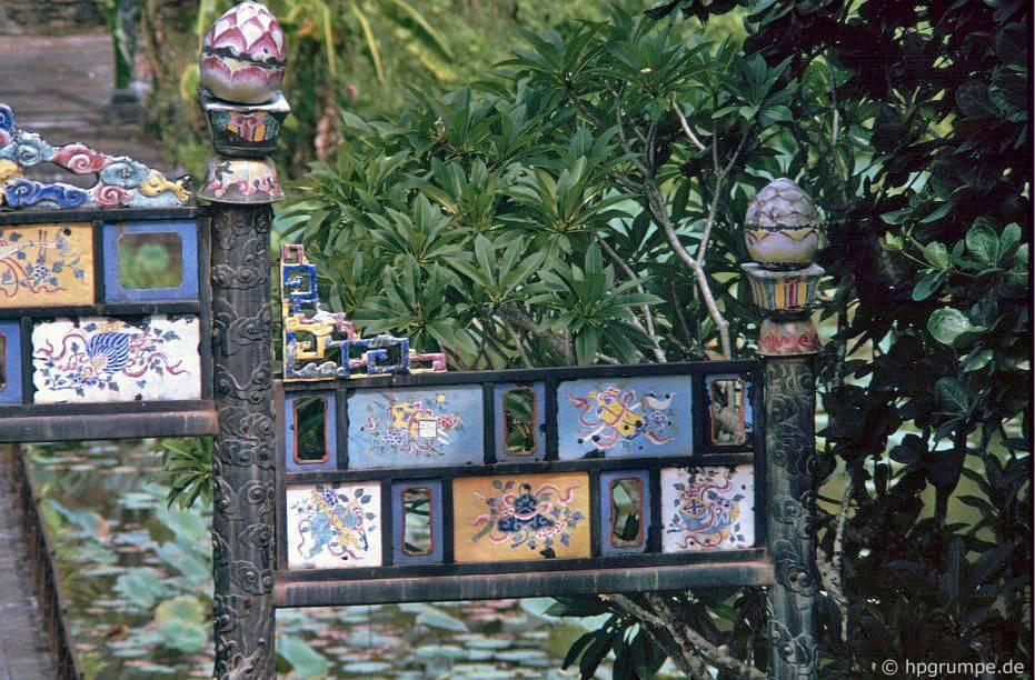 Huế: Lăng Minh Mạng - Tordetail