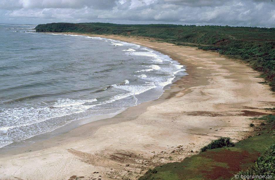 Bãi biển tại Vĩnh Mộc