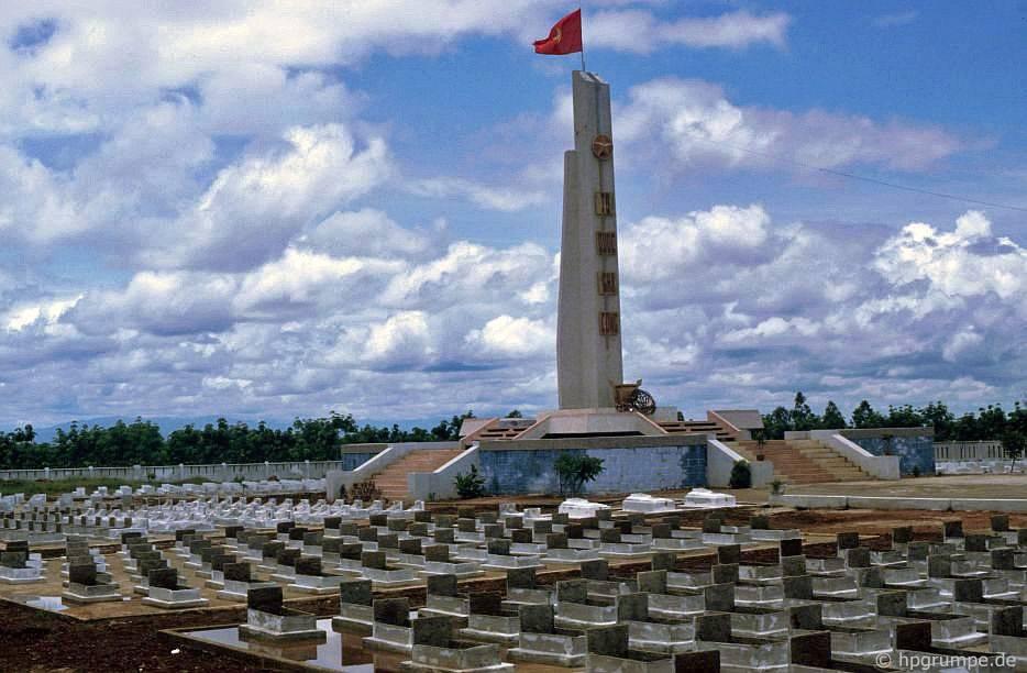 Nghĩa trang quân đội tại Đốc Miếu