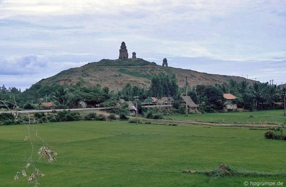 Tháp Chàm Dương Long