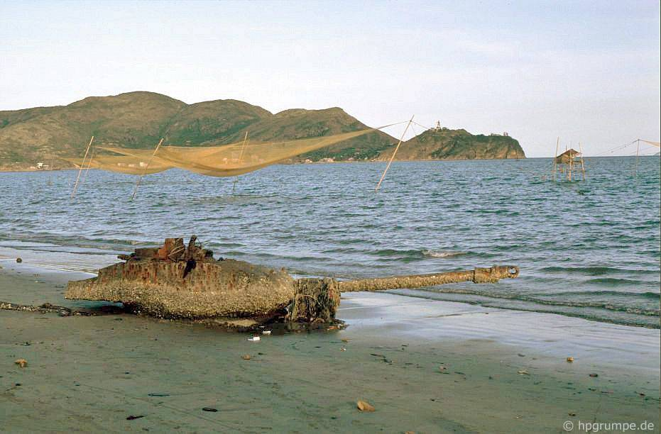 Qui Nhơn: Nghỉ ngơi trên bãi biển