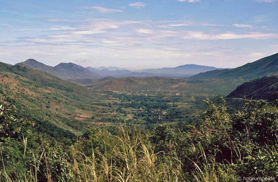 Phong cảnh giữa Qui Nhơn và Đại Lãnh