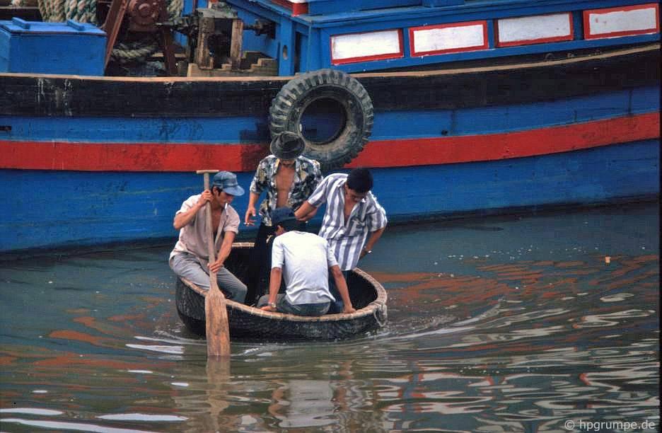 Nha Trang: vận chuyển bằng thuyền buồm
