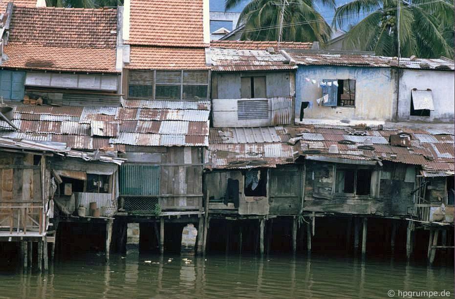 Nha Trang: Nhà ở cạnh nước