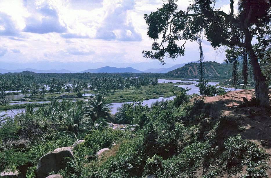 Nha Trang: Ngắm nhìn ngọn đồi của chùa Long Sơn