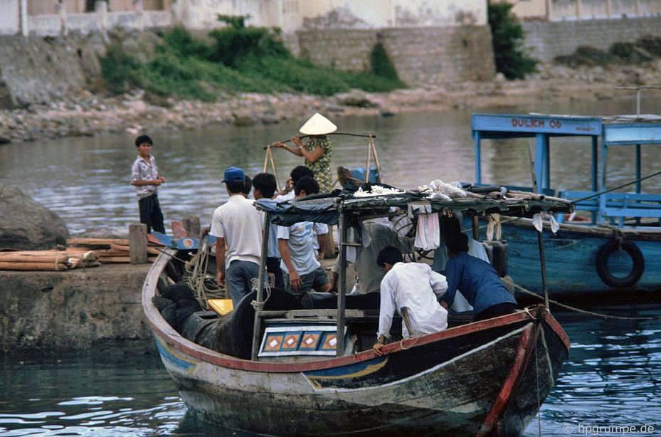 Nha Trang: Lái xe đến đảo Hòn Miễu