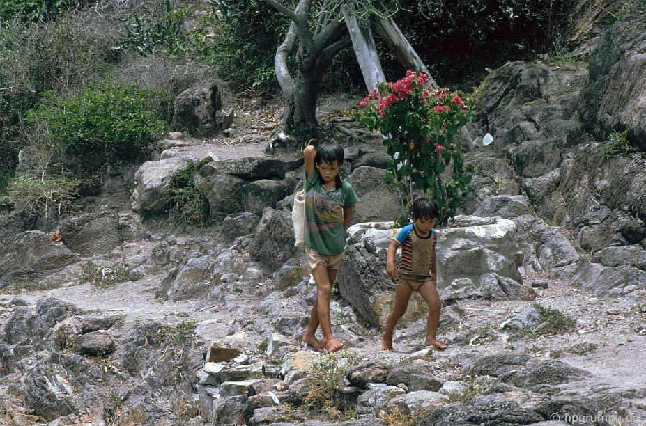 Đảo Hòn Miễu: trẻ em