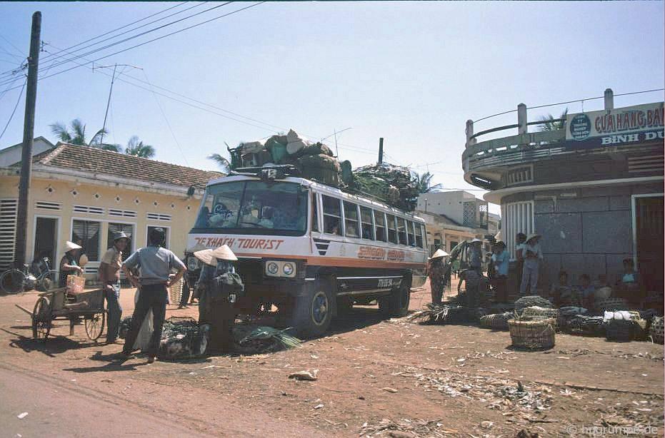 Điểm dừng xe buýt tại Pleiku