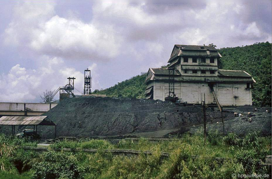 Mỏ than ở Hồng Gai