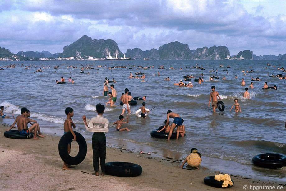 Vịnh Hạ Long: bãi biển tại Hồng Gai