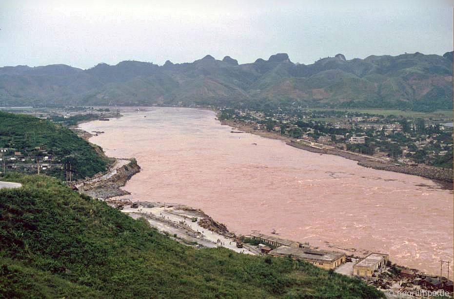 Hòa Bình: Sông Đà