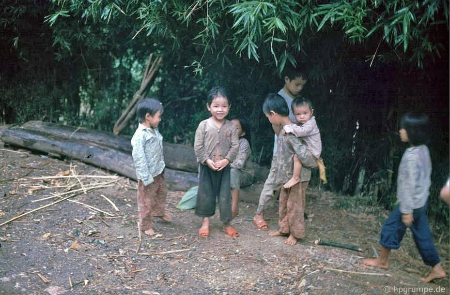 Hòa Bình: Trẻ em Mường