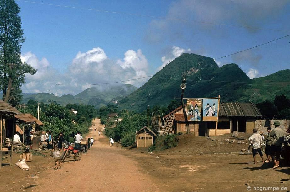 Làng giữa Sơn La và Điện Biên
