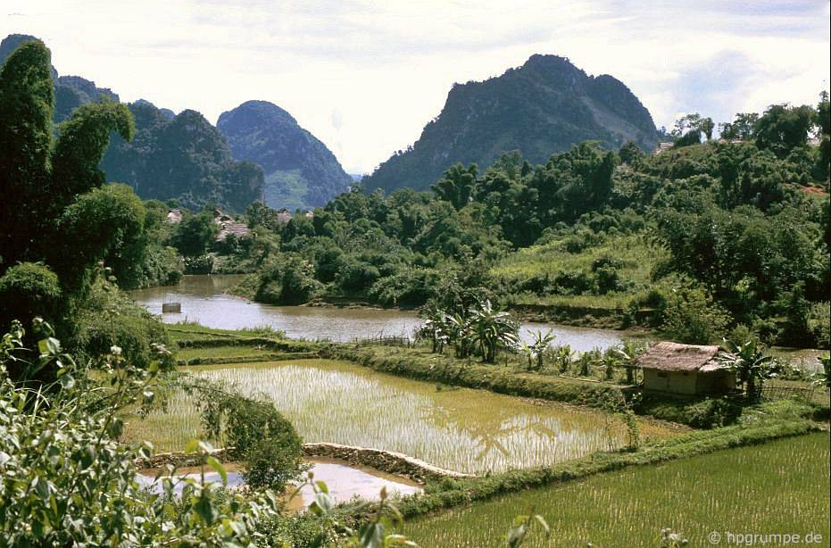 Phong cảnh giữa Sơn La và Điện Biên