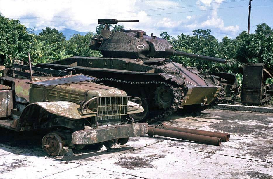 Điện Biên: Trong Bảo tàng Quân đội