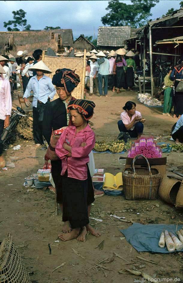 Điện Biên: Chợ