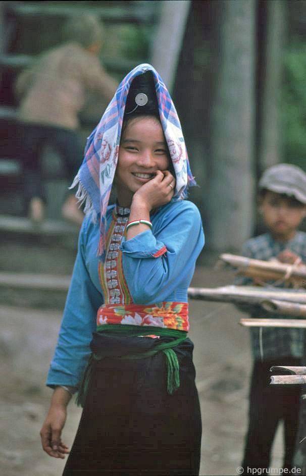 Trong Thaidorf: cô gái Thái