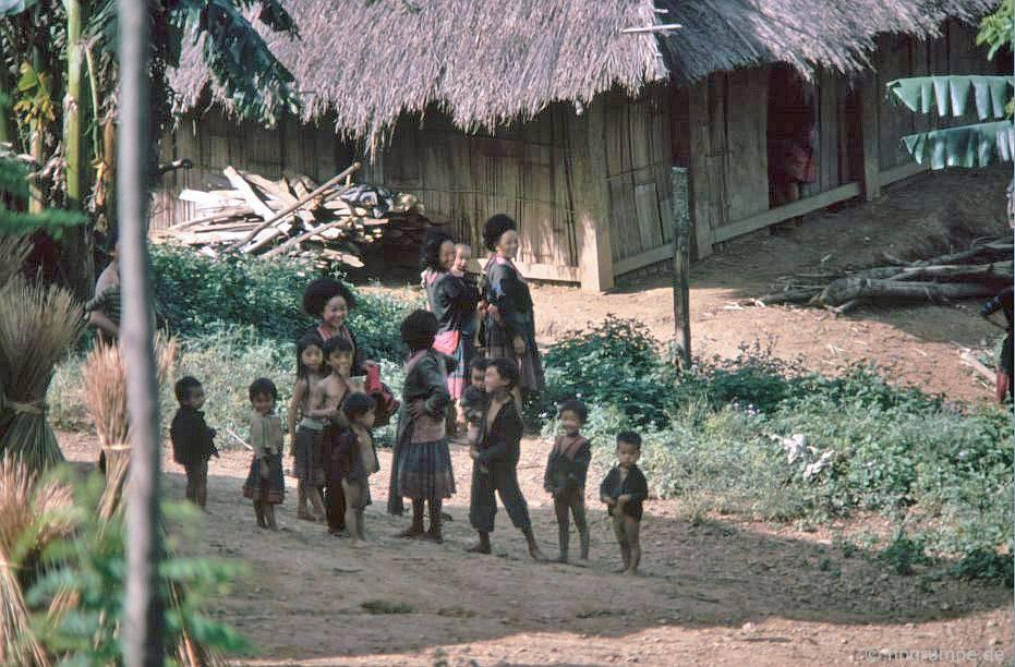 Làng Hmong đỏ
