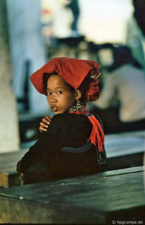 Sa Pa: Cô gái của người Dao đỏ