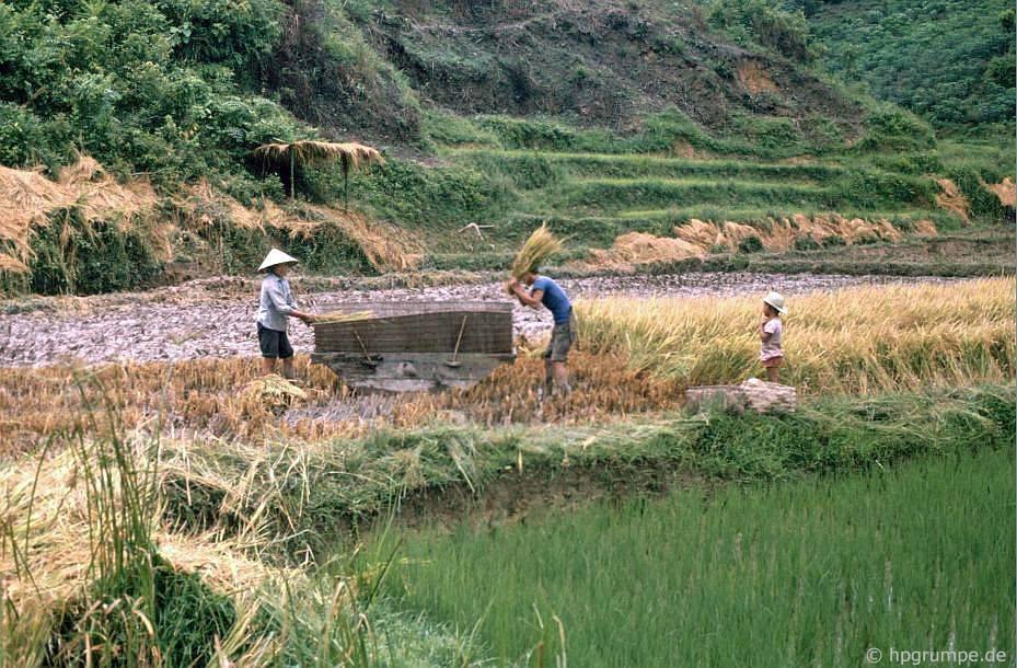 Phong cảnh giữa Cao Bằng và Làng Sơn