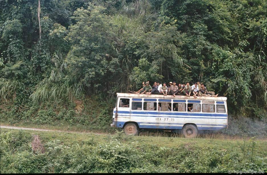 Xe buýt giữa Cao Bằng và Long Sơn