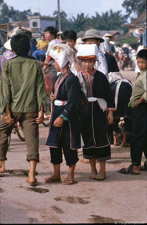 Chợ phía nam Lạng Sơn: Người Thái Trắng (?)