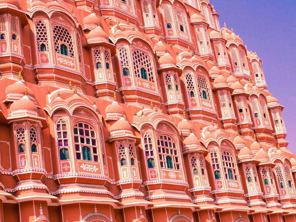 Jantar Mantar là đài quan sát thiên văn được xây dựng đầu những năm 1700 ở Jaipur. Đây là đài thiên văn cổ được bảo tồn tốt nhất tại Ấn Độ.