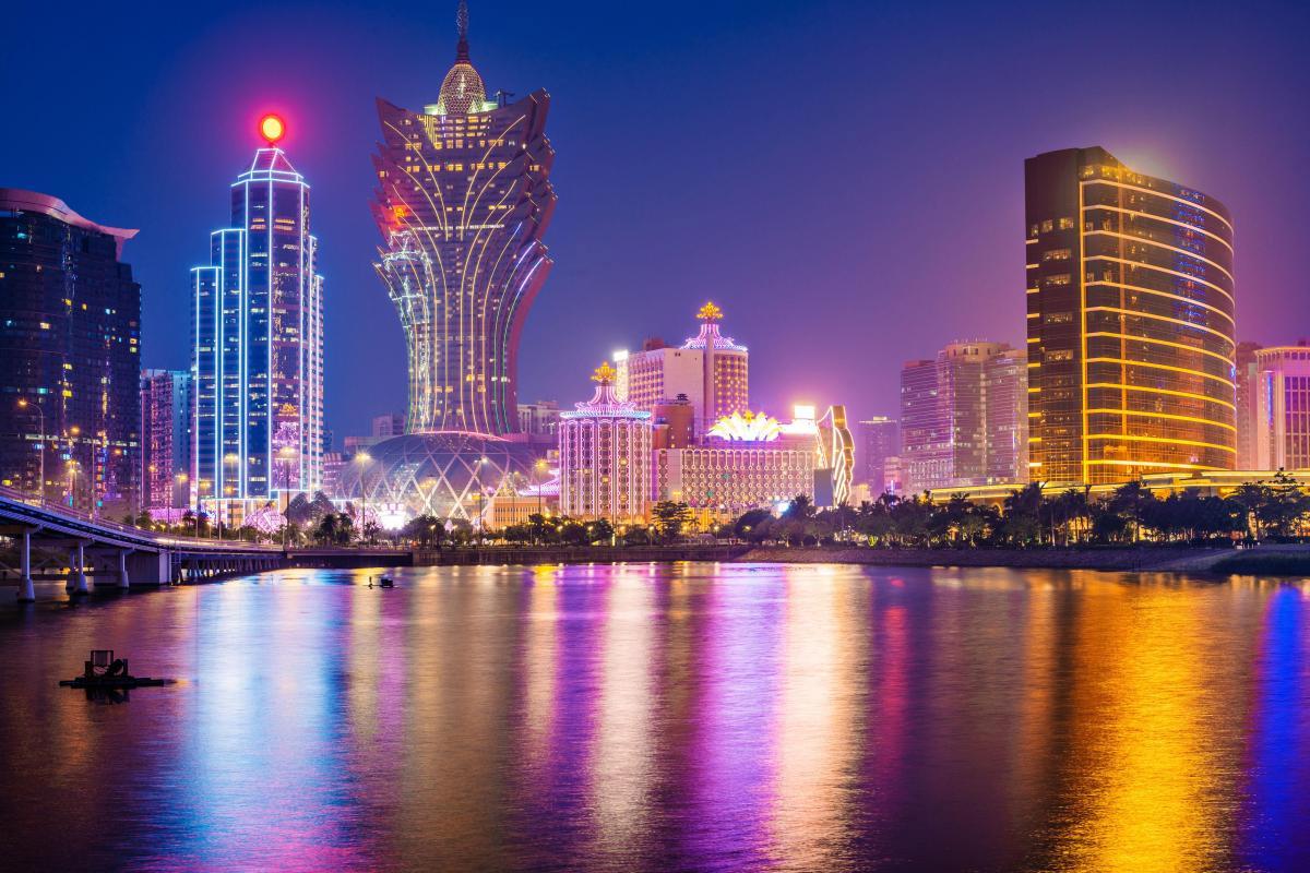 Tại sao Hong Kong đòi dân chủ quyết liệt, Macau lại không đoái hoài?