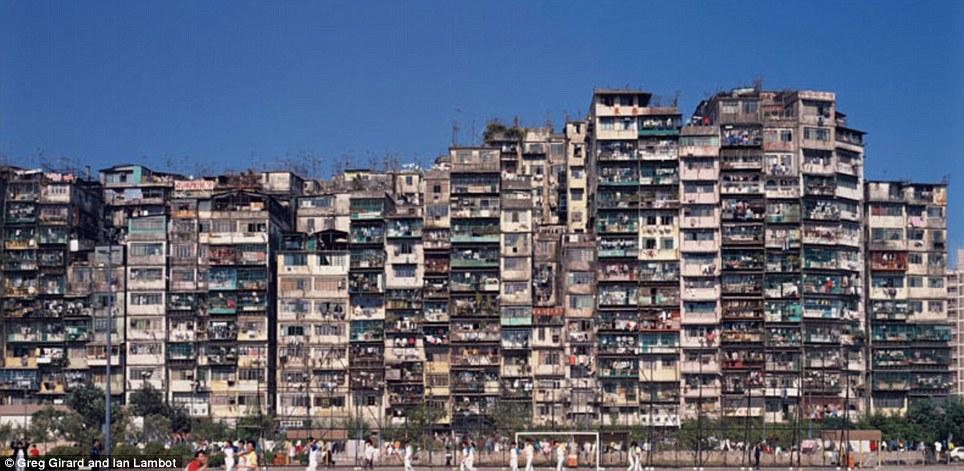 Hình ảnh lịch sử về Thành trại Cửu long –  'thành phố bóng tối' của Hồng Kông